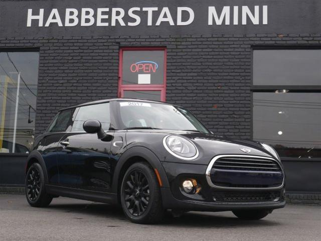Pre Owned 2017 Mini Hardtop 2 Door Cooper